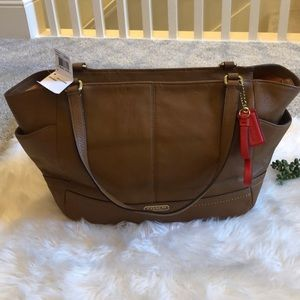 NWT Coach British Tan Park Leather Carrie Tote! 👜